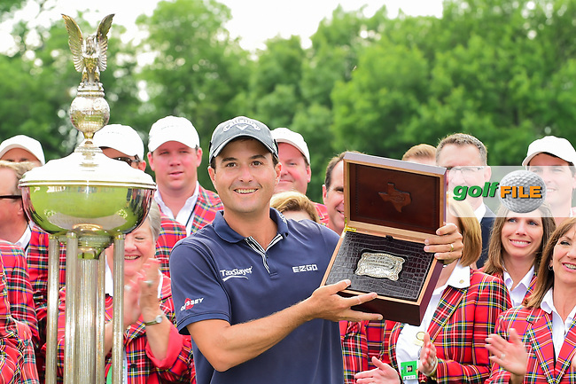 Kevin Kisner (USA) with the belt buckle for winning the 2017 Dean &amp; Deluca Invitational, at The Colonial, Ft. Worth, Texas, USA. 5/28/2017.<br /> Picture: Golffile | Ken Murray<br /> <br /> <br /> All photo usage must carry mandatory copyright credit (&copy; Golffile | Ken Murray)
