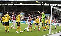 2nd February 2020; Turf Moor, Burnley, Lanchashire, England; English Premier League Football, Burnley versus Arsenal; Bernd Leno of Arsenal punches away a Burnley corner