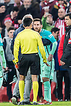 Lionel Andres Messi of FC Barcelona argues with the assistant referee during their Copa del Rey Round of 16 first leg match between Athletic Club and FC Barcelona at San Mames Stadium on 05 January 2017 in Bilbao, Spain. Photo by Victor Fraile / Power Sport Images