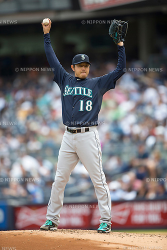Hisashi Iwakuma (Mariners), JULY 18, 2015 - MLB : Hisashi Iwakuma of the Seattle Mariners pitches during the Major League Baseball game against the New York Yankees at Yankee Stadium in the Bronx, New York, United States. (Photo by Thomas Anderson/AFLO) (JAPANESE NEWSPAPER OUT)