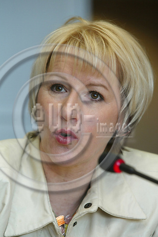 BRUSSELS - BELGIUM - 11 APRIL 2005 --Margot WALLSTR?M (Wallstrom, Wallstroem) Vice President and EU Commissioner.-- PHOTO: ERIK LUNTANG / EUP-IMAGES