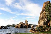 TANZANIA Mwanza, Lake Victoria, Bismarck Rock, named after german chancellor Fürst von Bismarck / TANSANIA Mwanza, Viktoria See, Bismarck Felsen
