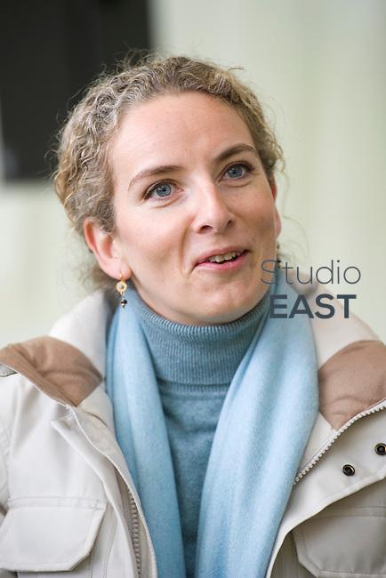 Discours de Mme Delphine Batho, ministre de l'environnement et de l'énergie, à l'issue de la visite de la chaufferie biomasse de Stains en Seine-Saint-Denis, près de Paris, France, le 30 mars 2013. Photo : Lucas Schifres