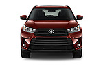 Car photography straight front view of a 2018 Toyota Highlander SE 5 Door SUV Front View