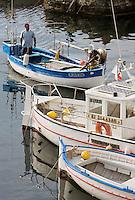 Europe/France/Corse/2B/Haute-Corse/ Centuri:  Un pointu rentre au port