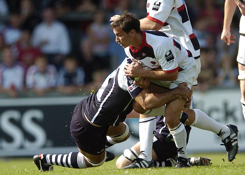 Photo: Jonathan Butler..Bristol Rugby v Saracens. Guinness Premiership. 10/09/2006..Alan Dickens of Saracens is tackled.