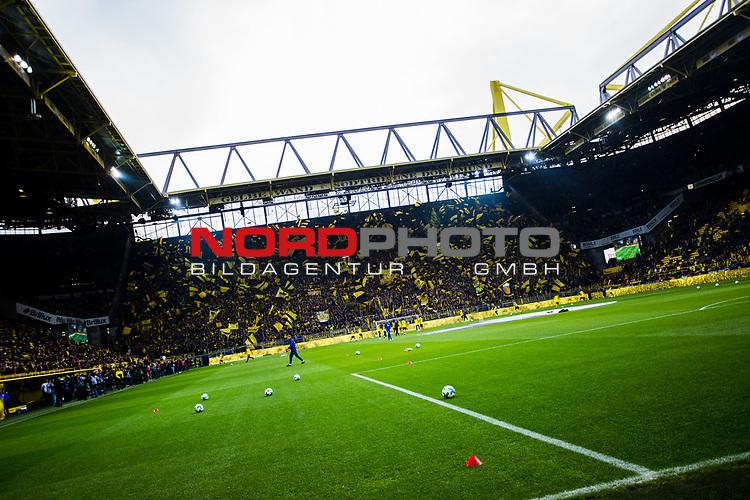 25.02.2017, Signal Iduna Park, Dortmund, GER, 1.FBL, Borussia Dortmund vs FC Schalke 04, <br /> <br /> im Bild | picture shows<br /> Suedtribuene | Gelbe Wand, <br /> <br /> Foto &copy; nordphoto / Rauch