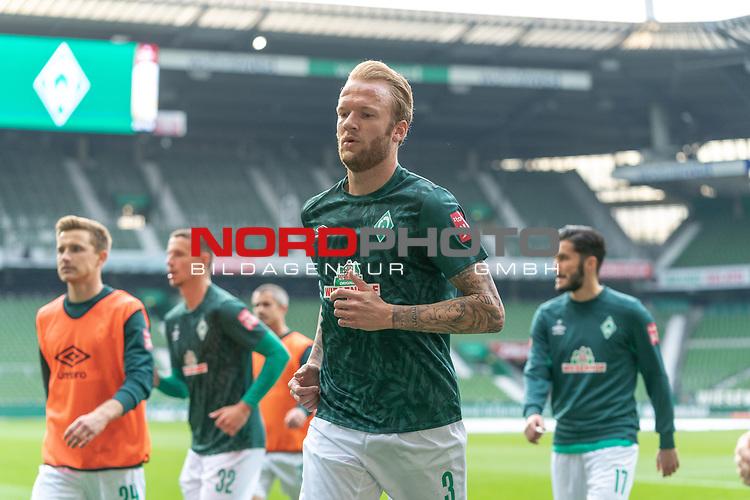 Kevin Vogt (Werder Bremen  #03)<br /> Johannes Eggestein (Werder Bremen #24)<br /> Marco Friedl (Werder Bremen #32)<br /> Nuri Sahin (Werder Bremen #17) Spieler nach  der Aufwaermpase <br /> Sport: Fussball: 1. Bundesliga: Saison 19/20: <br /> 26. Spieltag: SV Werder Bremen vs Bayer 04 Leverkusen, 18.05.2020<br /> <br /> Foto ©  gumzmedia / Nordphoto / Andreas Gumz / POOL <br /> <br /> Nur für journalistische Zwecke! Only for editorial use!<br />  DFL regulations prohibit any use of photographs as image sequences and/or quasi-video.