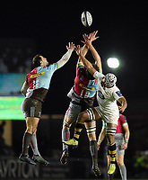 Tim Visser and Charlie Matthews of Harlequins compete with Nizaam Carr of Wasps for the ball in the air. European Rugby Champions Cup match, between Harlequins and Wasps on January 13, 2018 at the Twickenham Stoop in London, England. Photo by: Patrick Khachfe / JMP