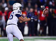 College Park, MD - NOV 25, 2017: Penn State Nittany Lions running back Saquon Barkley (26) catches a toss during game between Maryland and Penn State at Capital One Field at Maryland Stadium in College Park, MD. (Photo by Phil Peters/Media Images International)