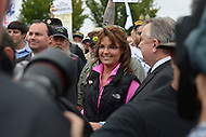 October 13, 2013  (Washington, DC)  Former Alaska Governor Sarah Palin greets veterans at the World War II Memorial in Washington, D.C., during the Million Veterans March October 13, 2013.  (Photo by Don Baxter/Media Images International)