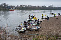 Greater London. United Kingdom, General View of the beach at Mortlake As Isis and Goldie move thewards the beach.  University Boat Race , Cambridge University vs Cambridge University Putney to Mortlake,  Championship Course, River Thames, London. <br /> <br /> Saturday  24.03.18<br /> <br /> [Mandatory Credit:Peter SPURRIER/Intersport Images]