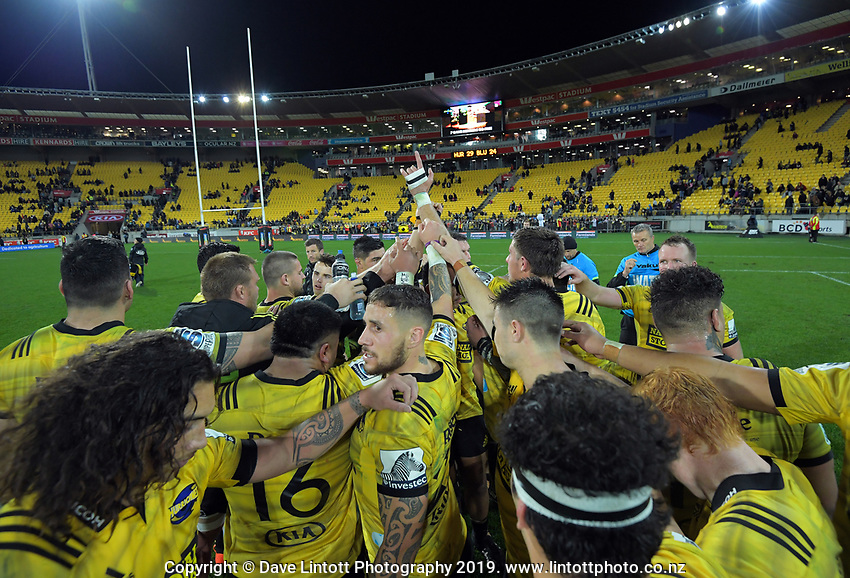 The Hurricanes huddle after the Super Rugby match between the Hurricanes and Blues at Westpac Stadium in Wellington, New Zealand on Saturday, 15 June 2019. Photo: Dave Lintott / lintottphoto.co.nz