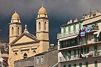 Europe/France/Corse/2B/Haute-Corse/Cap Corse/Nebbio/Bastia: Eglise St-Jean-Baptiste et façade des maisons sur le Vieux Port
