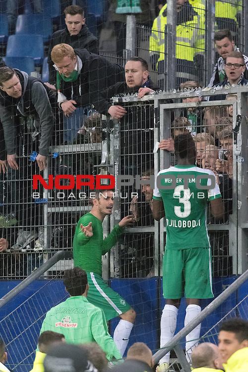 22.04.2016, Volksparkstadion, Hamburg, GER, 1.FBL. Hamburger SV vs Werder Bremen , im Bild<br /> <br /> Werder Mannschaft nach der Derby Niederlage in der Fan Kurve<br /> <br /> entt&auml;uscht / enttaeuscht / traurig /<br /> <br /> Fin Bartels (Bremen #22)<br /> Papy Djilobodji  (Bremen #3) bei den Fans<br /> <br /> Foto &copy; nordphoto / Kokenge