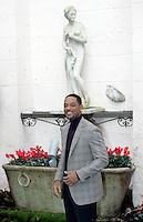 """L'attore statunitense Will Smith posa durante un photocall per la presentazione del film """"Sette anime"""" a Roma, 8 gennaio 2009..U.S. actor Will Smith poses during a photocall for the presentation of the movie """"Seven Pounds"""" in Rome, 8 january 2009..UPDATE IMAGES PRESS/Riccardo De Luca"""