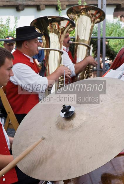 Europe/France/Alsace/67/Bas-Rhin/ Marlenheim: Fanfare lors de la Fête du mariage de l''Ami Fritz