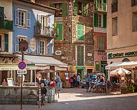 Frankreich, Provence-Alpes-Côte d'Azur, Sospel in den franzoesischen Seealpen: Place de la Cabraia | France, Provence-Alpes-Côte d'Azur, Sospel in the French Maritime Alps: Place de la Cabraia