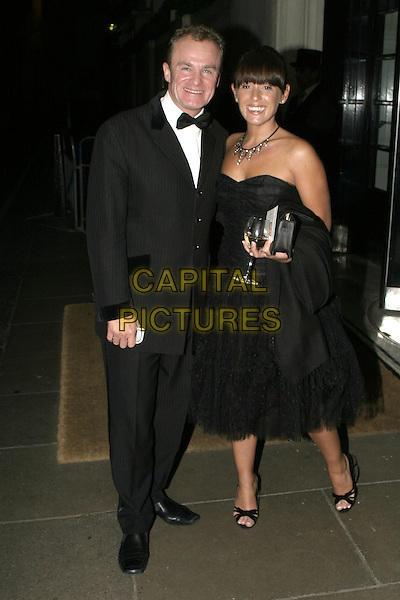 BOBBY DAVRO.Carol Keating Memorial Dinner, The Savoy Hotel, London, October 4th 2004..full length.Ref: AH.www.capitalpictures.com.sales@capitalpictures.com.©Capital Pictures.