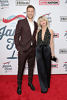 LOS ANGELES - FEB 10:  Brooks Laich, Julianne Hough at the 2019 Steven Tyler's Grammy Viewing Party at the Raleigh Studios on February 10, 2019 in Los Angeles, CA
