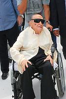 ATENÇÃO EDITOR  FOTO EMBARGADA PARA VEÍCULO INTERNACIONAIS Foto de arquivo de 12/02/2012 mostra o arquiteto Oscar Niemeyer   em entrevista coletiva no Caminho Niemeyer com sua esposa Vera Lucia Cabreira em evento no Caminho Niemeyer em Niterói 2010..FOTO RONALDO BRANDAO / BRAZIL PHOTO PRESS