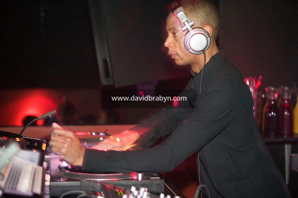 30 April 2006 - New York City, NY - Pioneering techno Dj Jeff Mills performs at Pacha Club in New York City, USA, early on 30 April 2006. Mills is credited with laying the foundations for legendary Detroit Techno collective, Underground Resistance. Mills has also been credited for his exceptional turntable skills.