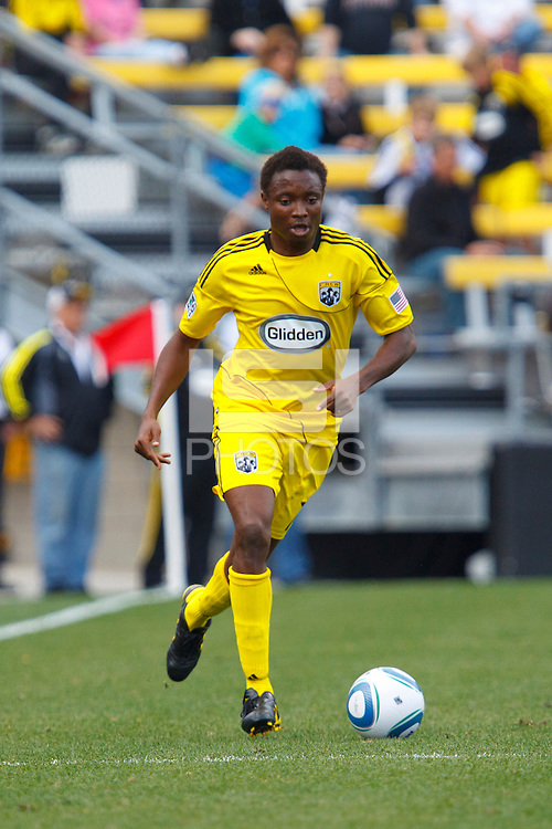 24 OCTOBER 2010:  Columbus Crew midfielder Emmanuel Ekpo (17) during MLS soccer game against the Columbus Crew at Crew Stadium in Columbus, Ohio on August 28, 2010.