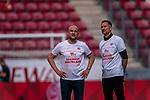 Dank an die Fans die nicht da waren, Achim Beierlorzer (Trainer 1. FSV Mainz 05), Rouven Schröder / Schroeder (Vorstand Sport 1. FSV Mainz 05)<br /> <br /> <br /> Sport: nphgm001: Fussball: 1. Bundesliga: Saison 19/20: 33. Spieltag: 1. FSV Mainz 05 vs SV Werder Bremen 20.06.2020<br /> <br /> Foto: gumzmedia/nordphoto/POOL <br /> <br /> DFL regulations prohibit any use of photographs as image sequences and/or quasi-video.<br /> EDITORIAL USE ONLY<br /> National and international News-Agencies OUT.