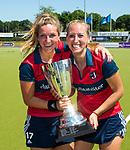 NIJMEGEN -  Amber Folmer (Huizen) en Mandy Visser (Huizen)   na   de tweede play-off wedstrijd dames, Nijmegen-Huizen (1-4), voor promotie naar de hoofdklasse.. Huizen promoveert naar de hoofdklasse.  COPYRIGHT KOEN SUYK