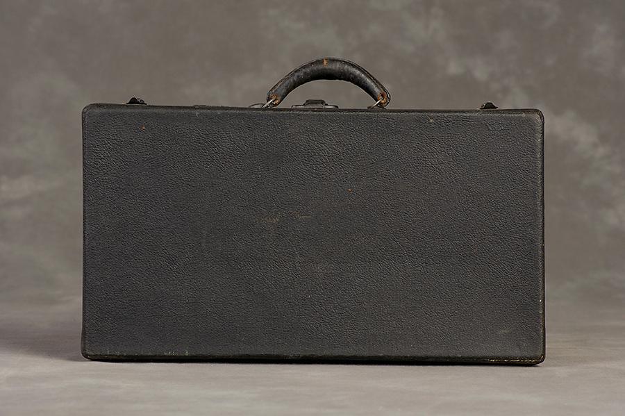 Willard Suitcases / Louis K / ©2014 Jon Crispin