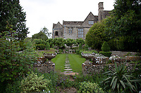 Margaret Biddulph, who was a trained horticulturist, and her head gardener, William Scrubey, worked with  architect Ernest Barnsley to create the ideal Arts and Crafts garden
