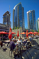 Vancouver, BC, Canada, August 2006. New highrise apartments on the waterfront. Squeezed in between the Rocky Mountains and the Pacific Ocean, Vancouver has a special feel. Photo by Frits Meyst/Adventure4ever.com
