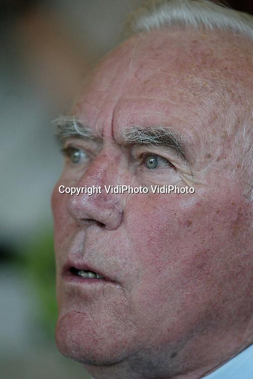 Voor archief..Foto: VidiPhoto..EDAM - Oud-verzetsman Jan Bulthuis uit Edam was een van de verzetsmensen die met succes collega's uit het verzet wisten te bevrijden tijdens een overval op de gevangenis in Assen.