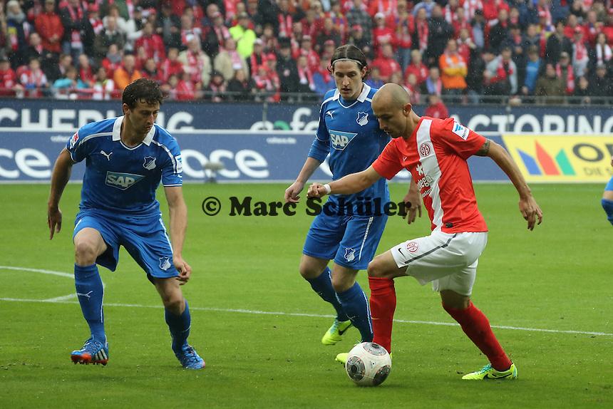 Elkin Soto (Mainz) gegen Jannik Vestergaard und David Abraham (Hoffenheim) - 1. FSV Mainz 05 vs. TSG 1899 Hoffenheim, Coface Arena, 8. Spieltag