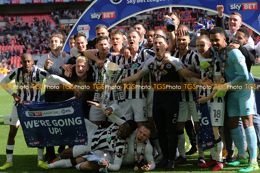 Millwall players celebrate winning the Division One Play-Off Final during Bradford City vs Millwall, Sky Bet EFL League 1 Play-Off Final at Wembley Stadium on 20th May 2017