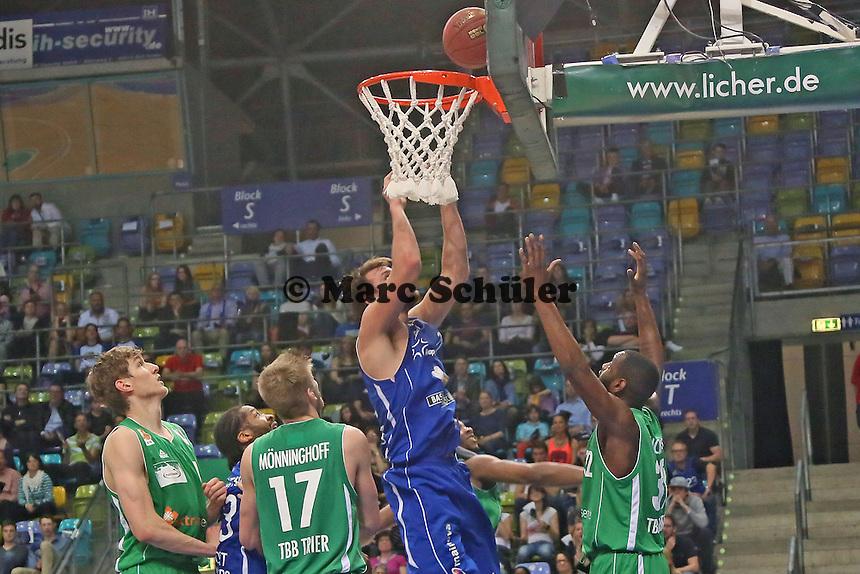 Danilo Barthel (Skyliners) setzt sich durch - Fraport Skyliners vs. TBB Trier, Fraport Arena Frankfurt