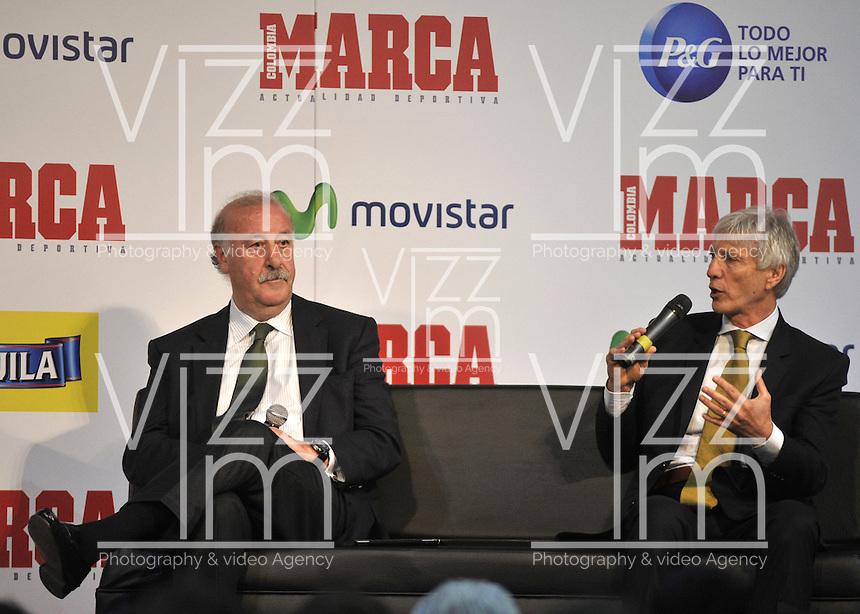 BOGOTA - COLOMBIA - 07 - 05 - 2013: Vicente del Bosque (Izq.),  director técnico de la Selección Española de Futbol y Jose Pekerman (Der.), director técnico de la Selección Colombiana de Futbol durante Foro en Bogota, mayo 7 de 2013.  El diario Marca Colombia, en su lanzamiento realizo el I FORO COLOMBIA Y ESPAÑA, RUMBO AL MUNDIAL BRASIL2014, (Foto. VizzorImage / Luis Ramirez / Staff). Vicente del Bosque (L) head coach of the Spanish National Football team, and Jose Pekerman (R) head coach of the Colombian National Football Team during forum in Bogota, May 7, 2013. The newspaper Marca Colombia, at launch I performed the FORUM COLOMBIA AND SPAIN, WAY TO WORLD BRASIL 2014, (Photo. VizzorImage / Luis Ramirez / Staff).