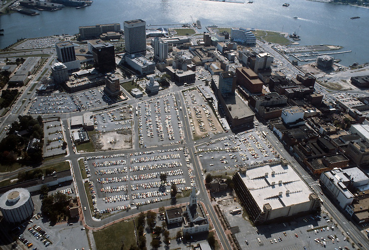 1983 September ..Redevelopment..Macarthur Center.Downtown North (R-8)..LOOKING SOUTH...NEG#.NRHA#..