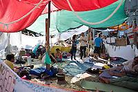 Los Indignados, the Spanish youth movement, continue demonstrating against unemployment and mainstream politics..Los Indignados continuano la loro protesta in Plaza del Sol a Madrid, tre giorni dopo le elezioni amministrative.