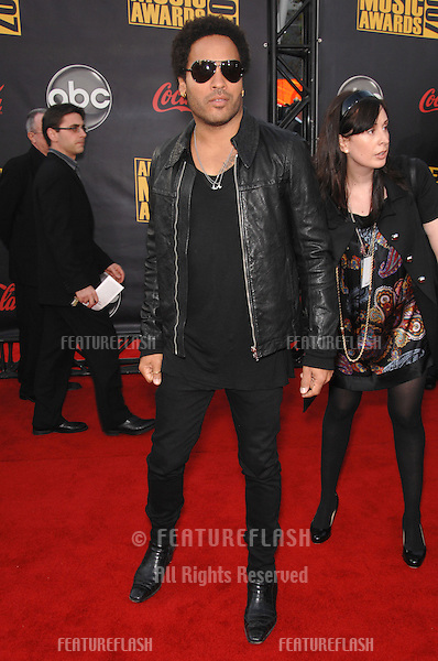 Lenny Kravitz at the 2007 American Music Awards at the Nokia Theatre, Los Angeles..November 18, 2007  Los Angeles, CA.Picture: Paul Smith / Featureflash