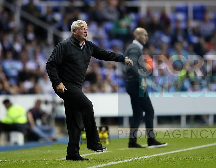 Aston Villa's Steve Bruce in action during the Championship match at the Madejski Stadium, Reading. Picture date: August 15th 2017. Picture credit should read: David Klein/Sportimage