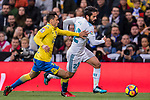 Isco Alarcon of Real Madrid (R) fights for the ball with Joaquin Navarro Jimenez, Ximo, of UD Las Palmas (L)  during the La Liga 2017-18 match between Real Madrid and UD Las Palmas at Estadio Santiago Bernabeu on November 05 2017 in Madrid, Spain. Photo by Diego Gonzalez / Power Sport Images