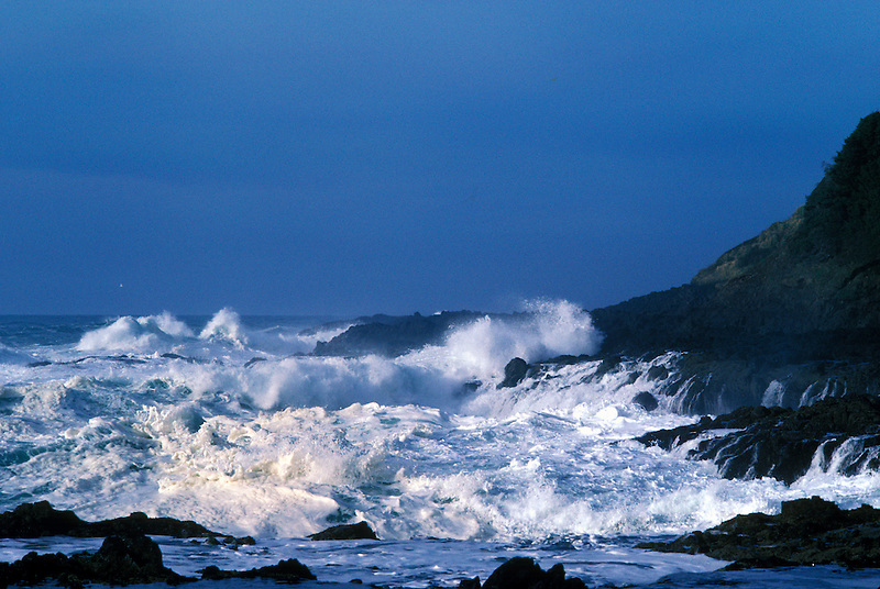 Storm waves off Cape Perpetua, Oregon