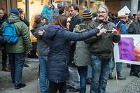 """Ca. 800 Menschen folgten am Samstag den 17. Februar 2018 in Berlin dem Aufruf der AfD-Frau Leyla Bilge zu einem sog. """"Marsch der Frauen"""". Sie demonstrierten gegen Zuwanderung und Fluechtlinge, die """"nur nach Deutschland kommen um hier Frauen zu schaenden"""" so einige Teilnehmer.<br /> Der rechte Aufmarsch wurde nach 750 Metern durch Strassenblockaden von ca. 2.000 Menschen gestoppt. Leyla Bilge weigerte sich als Anmelderin drei Stunden lang den blockierten  Aufmarsch zu beenden und forderte von der Polizei die Blockaden zu raeumen. Ein Raeumungsversuch der Polizei scheiterte, da es zu viele Menschen waren, die auf der Strasse sassen.<br /> Nach drei Stunden beendete Bilge den Aufmarsch. Die Demosntranten, unter ihnen etliche Neonazis, sog. """"Identitaere"""" und AfD-Politiker zogen darauf ab und griffen dabei Gegendemosntranten und Polizeibeamte an. Mehrere Personen wurden festgenommen. Ein Teil fuhr zum Kanzleramt, dem urspruenglichen Ziel des Aufmarsches.<br /> Im Bild: Leyla Bilge versucht aufgebrachte Aufmarschteilnehmer zu beruhigen.<br /> 17.2.2018, Berlin<br /> Copyright: Christian-Ditsch.de<br /> [Inhaltsveraendernde Manipulation des Fotos nur nach ausdruecklicher Genehmigung des Fotografen. Vereinbarungen ueber Abtretung von Persoenlichkeitsrechten/Model Release der abgebildeten Person/Personen liegen nicht vor. NO MODEL RELEASE! Nur fuer Redaktionelle Zwecke. Don't publish without copyright Christian-Ditsch.de, Veroeffentlichung nur mit Fotografennennung, sowie gegen Honorar, MwSt. und Beleg. Konto: I N G - D i B a, IBAN DE58500105175400192269, BIC INGDDEFFXXX, Kontakt: post@christian-ditsch.de<br /> Bei der Bearbeitung der Dateiinformationen darf die Urheberkennzeichnung in den EXIF- und  IPTC-Daten nicht entfernt werden, diese sind in digitalen Medien nach §95c UrhG rechtlich geschuetzt. Der Urhebervermerk wird gemaess §13 UrhG verlangt.]"""