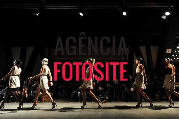 São Paulo, Brasil – 10/06/2010 - Desfile da Iodice durante o São Paulo Fashion Week  -  Verao 2011. Foto: Cris von Almen / Ag. Fotosite