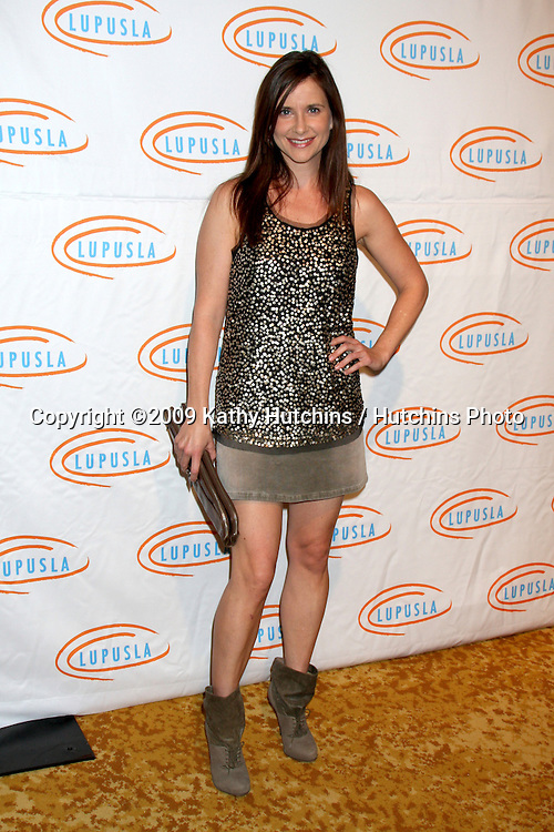 Kellie Martin.arriving at the 7th Annual Lupus LA Bag Ladies Luncheon .Beverly Wilshire Hotel.Beverly Hills,  CA.November 18, 2009.©2009 Kathy Hutchins / Hutchins Photo.