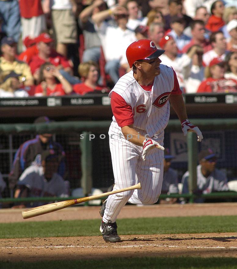Joe Randa of the Cincinnati Reds in action against the New York Mets...Reds win 7-6.....Chris Bernacchi / SportPics