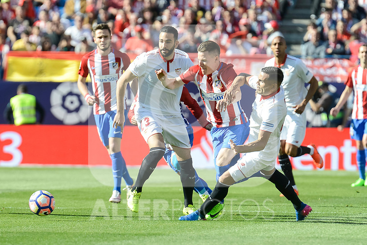 Atletico de Madrid's Kevin Gameiro and Sevilla's David Soria during La Liga match between Atletico de Madrid and Sevilla CF at Vicente Calderon Stadium in Madrid, Spain. March 19, 2017. (ALTERPHOTOS/BorjaB.Hojas)