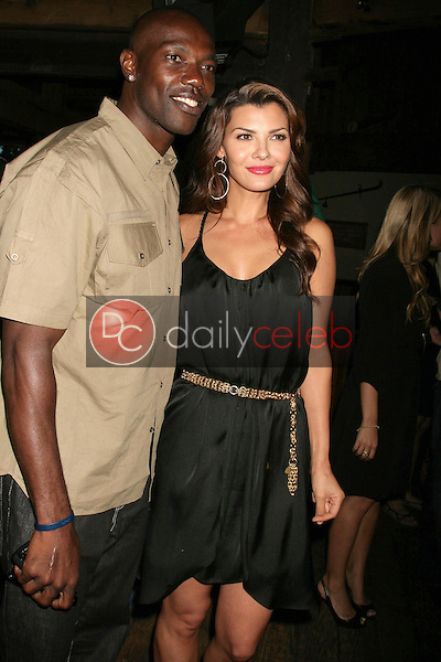 Terrell Owens and Ali Landry<br />at 'The Superstars' Premiere Party. Saddle Ranch, Universal City, CA. 06-23-09<br />Dave Edwards/DailyCeleb.com 818-249-4998