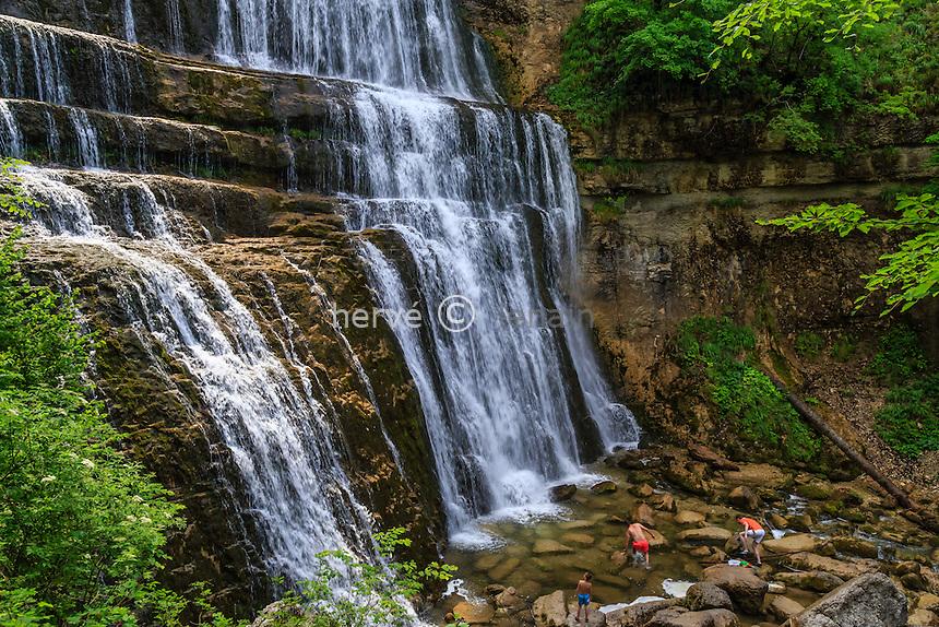 France, Jura (39), Menétrux-en-Joux, cascades du Hérisson, l'Eventaille // France, Jura, Menetrux en Joux, Herisson waterfalls Eventaille fall